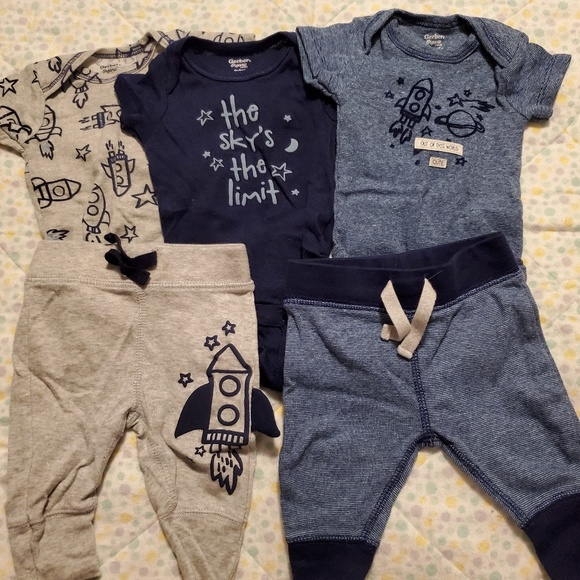 Other - Newborn space outfits!
